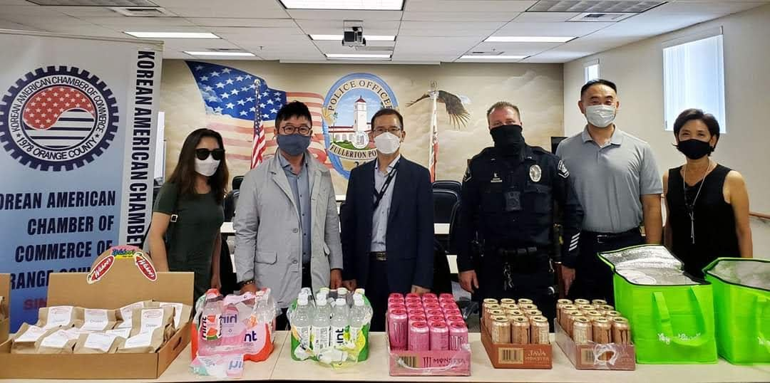 lunch donation to fullerton police department